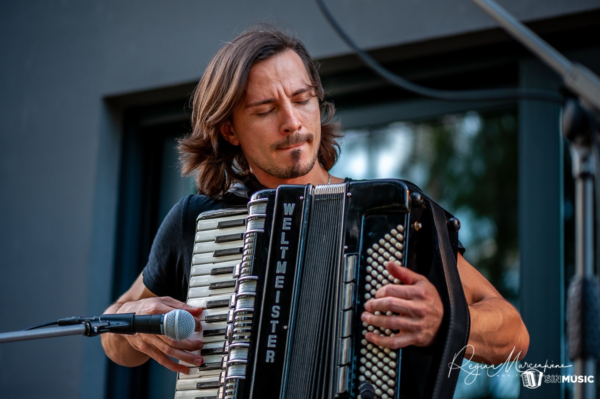 Sergejs Ivanovs akordeonists Rīgā